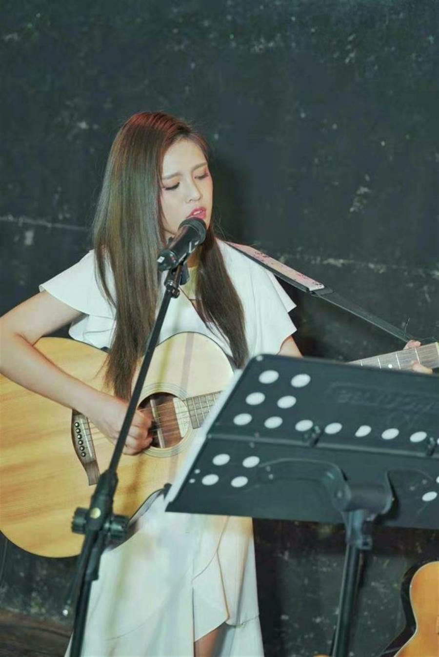 夏宇童首唱新歌〈不安〉。(五熊國際提供)