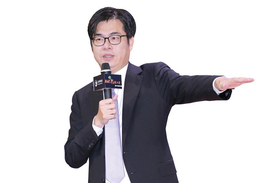 放馬過來行政院副院長陳其邁公開個人手機,要廠商有問題就放馬過來!圖/本報資料照片