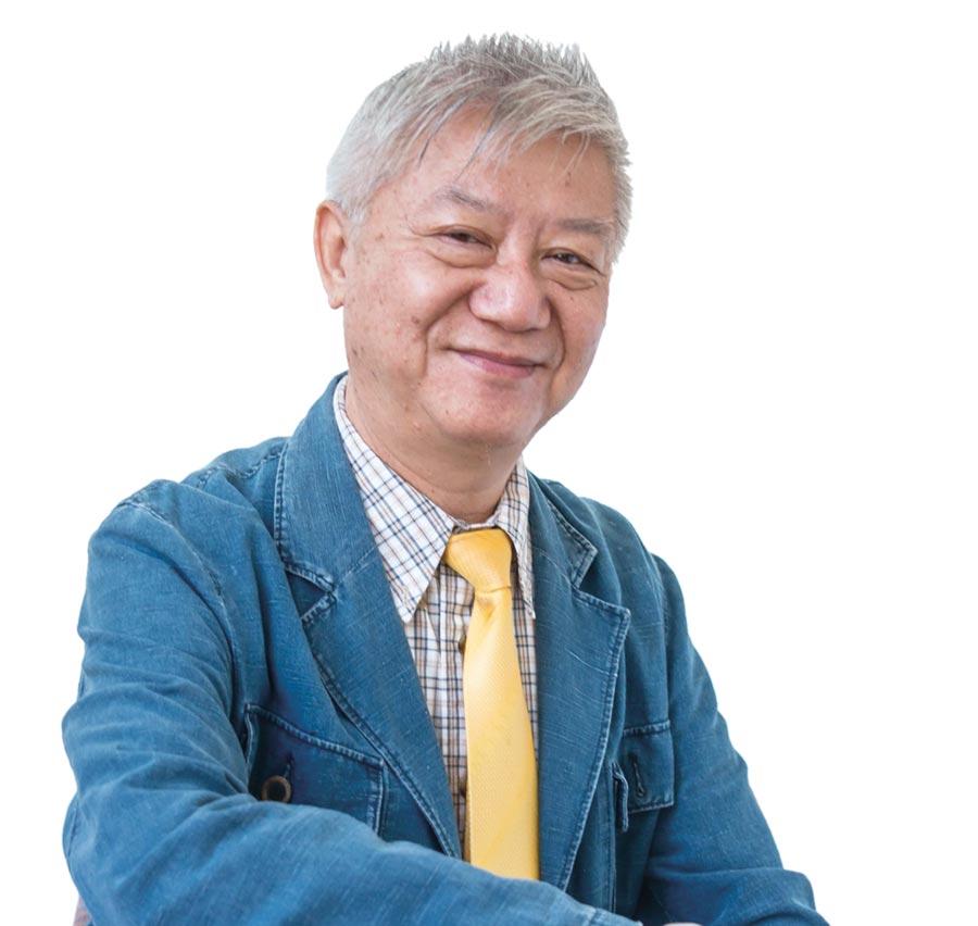 亞大學士後獸醫系主任簡基憲(右圖)研究團隊,研發「狗圍肛腺瘤之治療方法」,榮獲國家新創獎。圖/亞洲大學提供