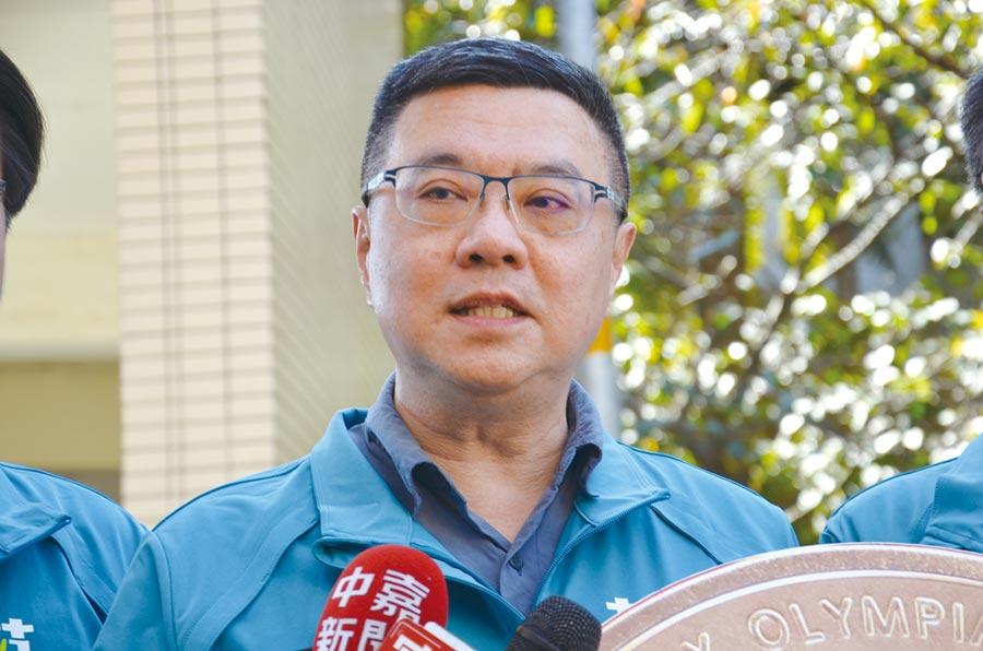 民進黨主席卓榮泰對於國民黨原本提出的不分區立委名單表示,為了台灣的國家安全,和未來做更深層的考量,希望他們要改弦更張。(賴佑維攝)
