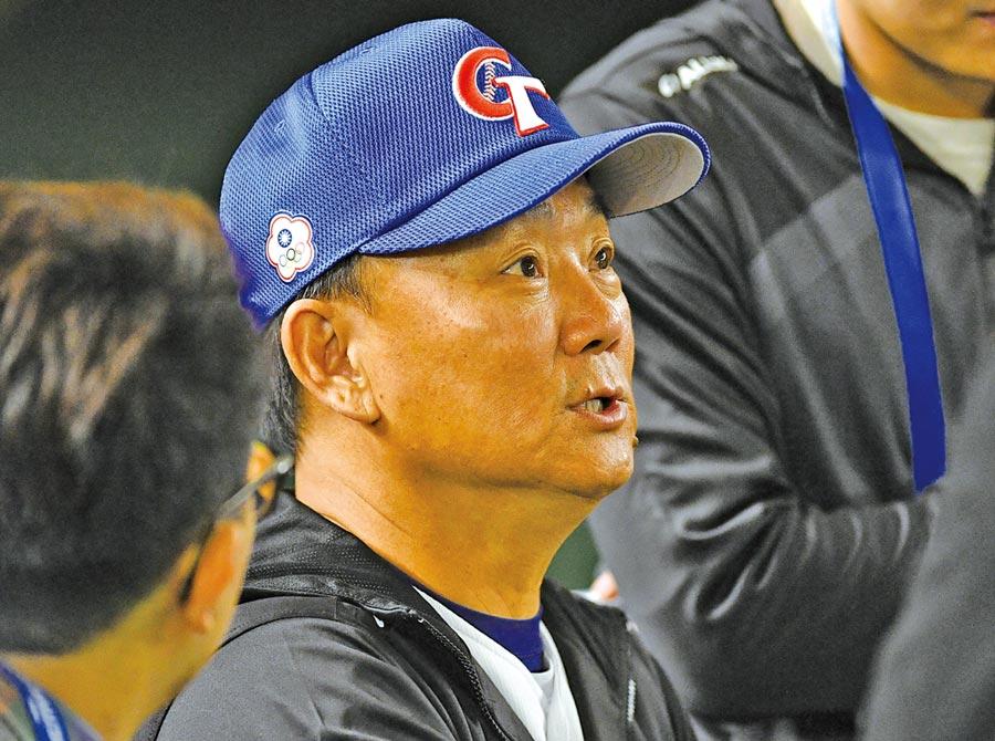 世界12強賽中華隊賽事進入尾聲,總教練洪一中表示,很感謝教練團、選手的投入,比賽內容都不錯,中華隊比較辛苦的地方是實力較不平均,最根本的問題還是在於中職隊伍數太少。 (中央社)