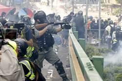 港理大示威者3度突圍失敗 家長向警方跪求放人