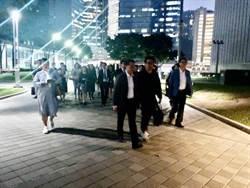 港議員與十位中學校長 赴理大營救被困中學生