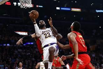 NBA》布萊恩坐鎮 詹皇狂飆33分獵鷹