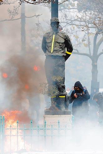 歐洲大亂鬥 法、捷反政府示威