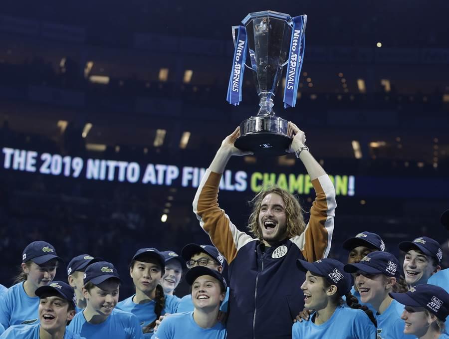 西西帕斯是第一位在ATP年終賽單打封王的希臘選手。(美聯社)