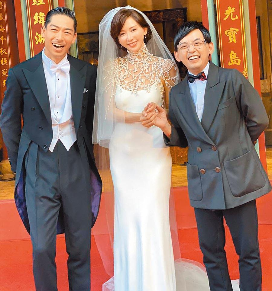 黃子佼(右起)昨盛裝出席婚禮,為好友林志玲、AKIRA獻上祝福。(黃子佼提供)