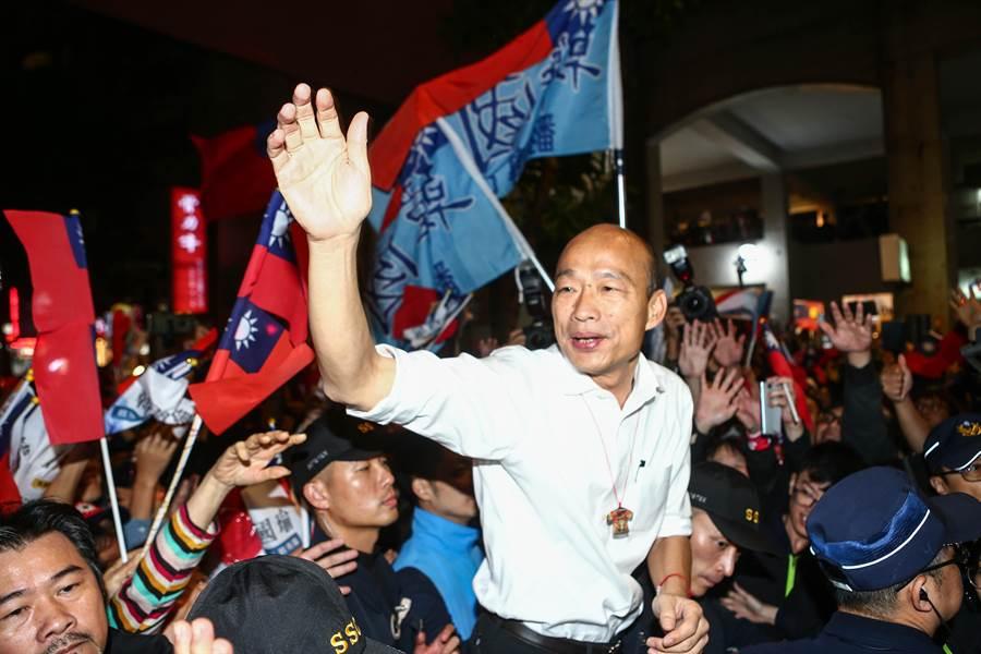 國民黨總統參選人韓國瑜(中)。(資料照,鄧博仁攝)