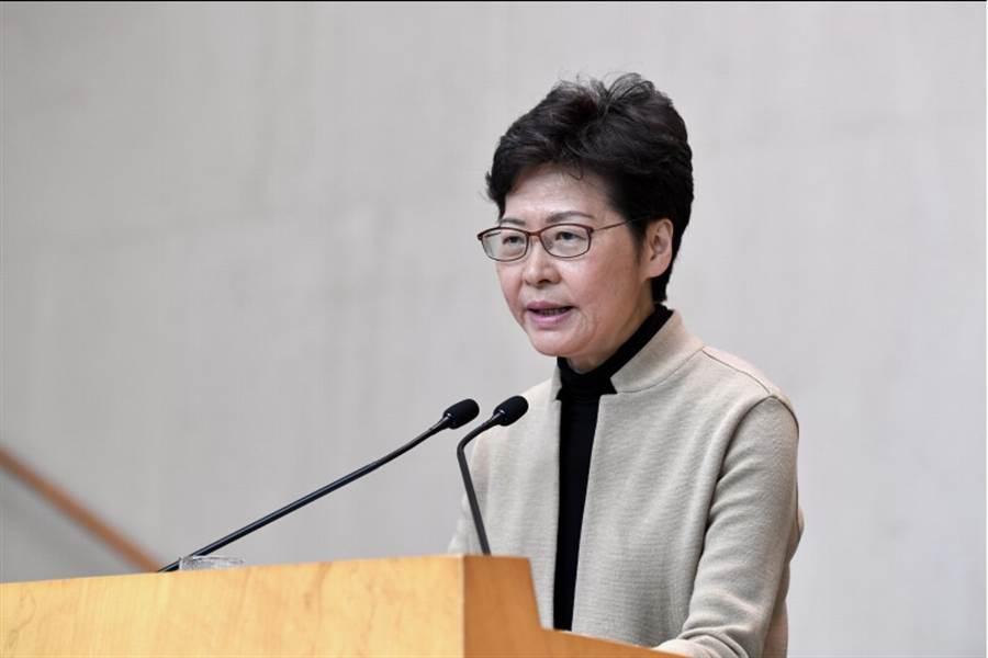中國外交部周二稱,中國政府將繼續堅定支持香港特別行政區行政長官林鄭月娥(見圖)。(圖/中新社、中通社)