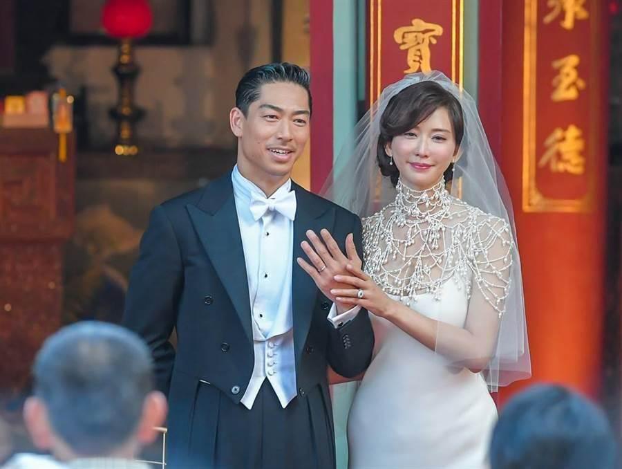 林志玲與AKIRA的世紀婚禮在17日圓滿落幕,現場吸引了不少媒體、民眾前往。(圖/本報系資料照片/盧禕祺攝)