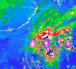 鳳凰颱風生成 北台灣下雨到崩潰