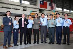 國防部長去漢翔看高教機與F-16戰機構改案