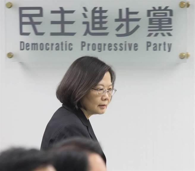 認同韓說民進黨以欺騙治國嗎?網路投票結果居然...