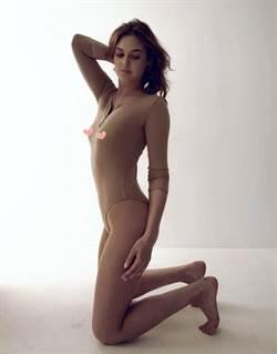 性感正妹「蜜臀外露裸照」 害她丟工作爸也不認人