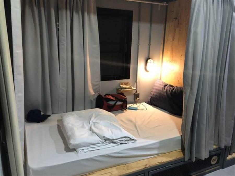 不只機票價格經濟實惠,男大生更分享住宿的超高CP值,一晚才288元!(圖片擷取自Dcard)