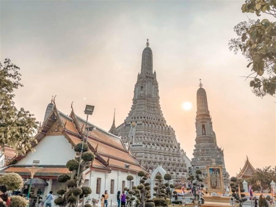 泰國鄭王廟。(圖片擷取自Dcard)