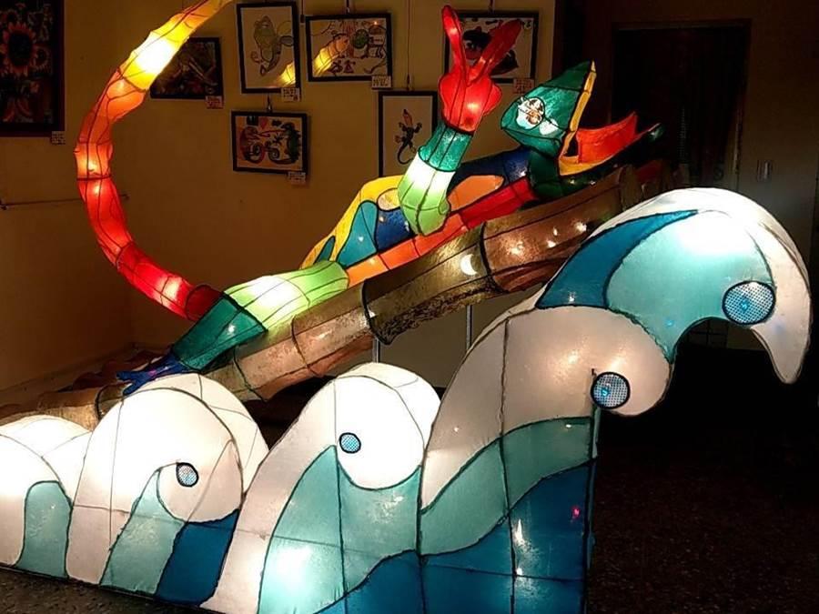 溪尾國小結合「溪藝˙蜥蜴」等主題,充分發揮在花燈創作上。(台中市政府教育局提供/陳世宗台中傳真)