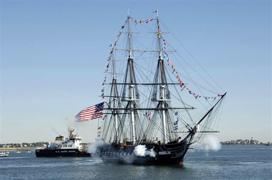 美國風帆軍憲法號,艦齡225年,相當有紀念意義。(圖/美國海軍)