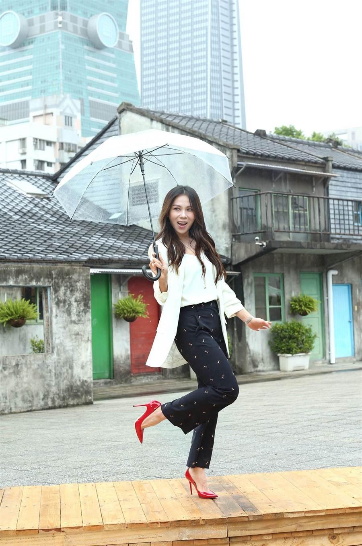 蔡健雅出席簡單生活節記者會。(粘耿豪攝)