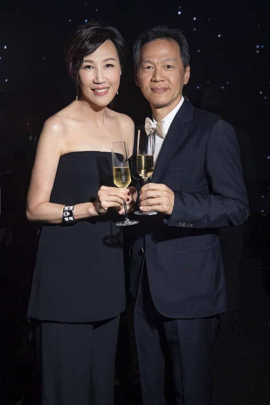 愛馬仕台灣區董事總經理程家鳳女士(左)與其夫婿董磊先生。(愛馬仕提供)