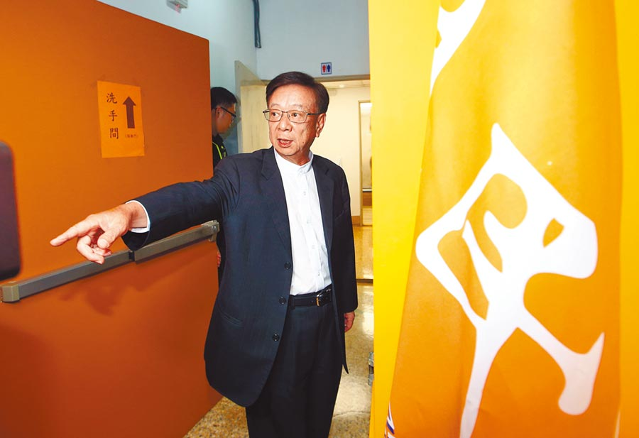 親民黨公布不分區立委名單,聯電榮譽副董事長宣明智名列第三名。圖/陳信翰