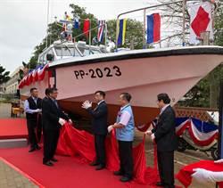 金門海巡快艇榮退 「海巡寶寶」現身致敬
