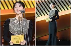 48歲李英愛久違現身青龍獎 發光美貌打爆眾女星