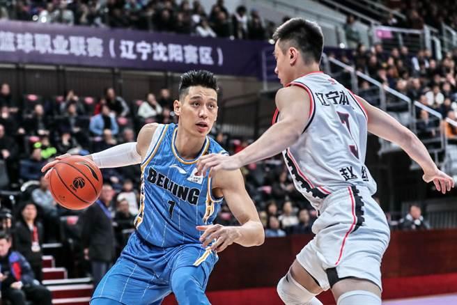 林書豪22日雖替北京首鋼貢獻本季新高29分,可惜北京仍以91比109不敵遼寧,苦吞本季第2敗。(新華社)