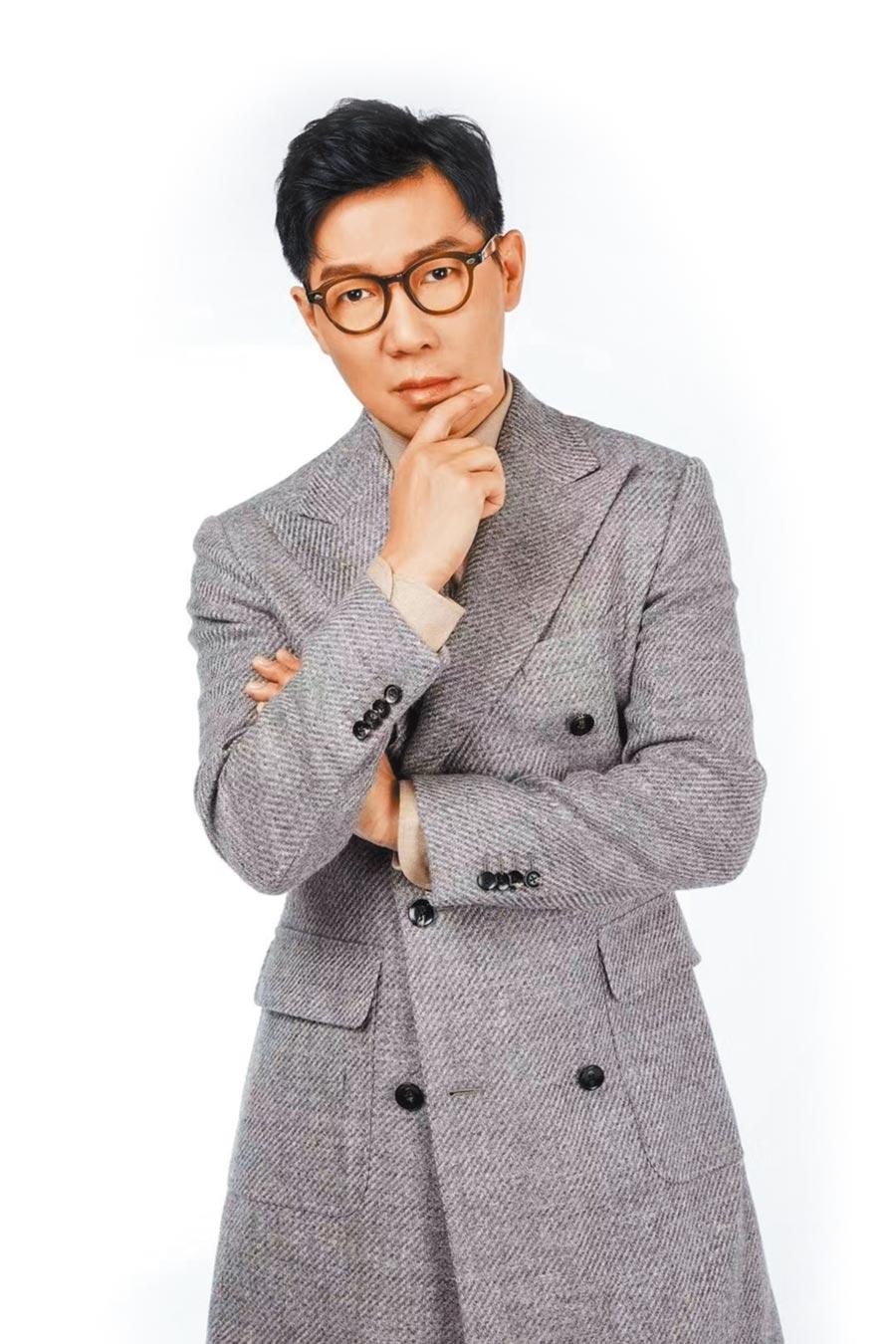 品冠擔綱男主角的音樂劇《當愛已成往事》今在上海首演。(海蝶提供)