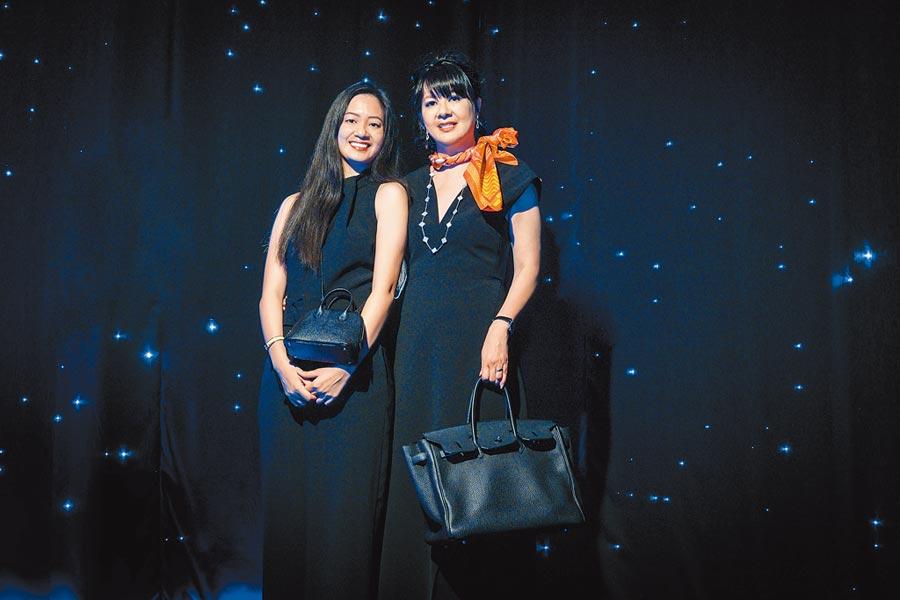 愛馬仕晚宴,貴賓晶華酒店董事長潘思亮先生的夫人蔣一惠女士(右)與其家人。(愛馬仕提供)