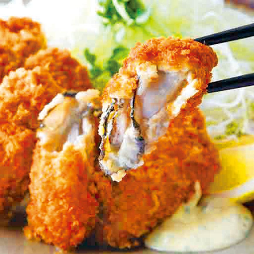 1. SOGO忠孝館韓國美食展,釜山大牡蠣,每串150元。 (SOGO提供)