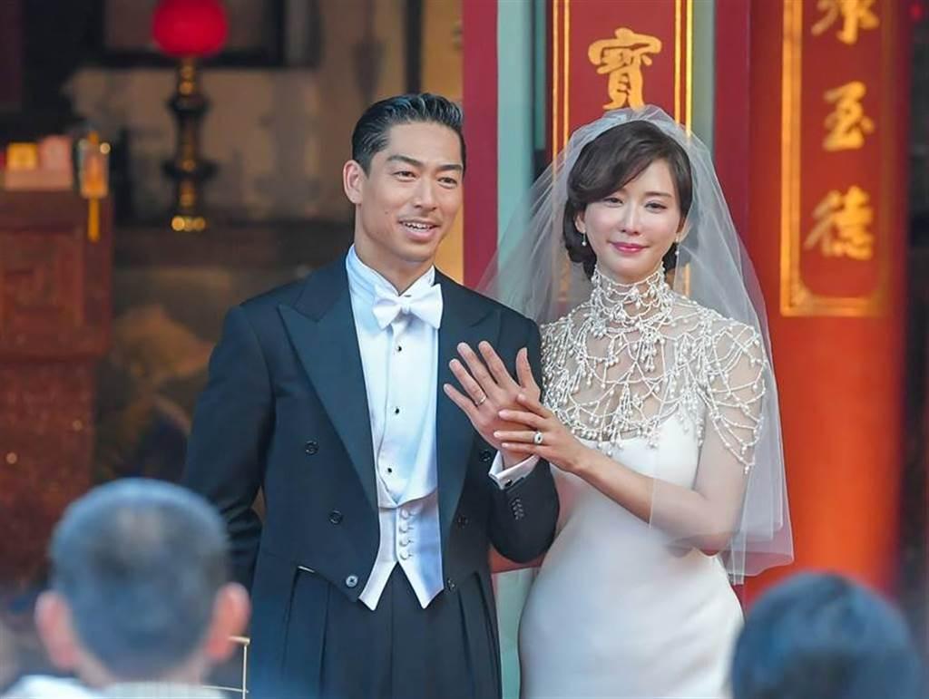 林志玲(右)刚新婚,不过与周刊间的官司还没落幕。(中时资料照)