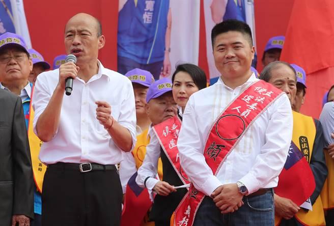 國民黨總統參選人韓國瑜(左起)為台中市第二選區立委參選人顏寬恒站台,強調經濟一定要開放。(黃國峰攝)