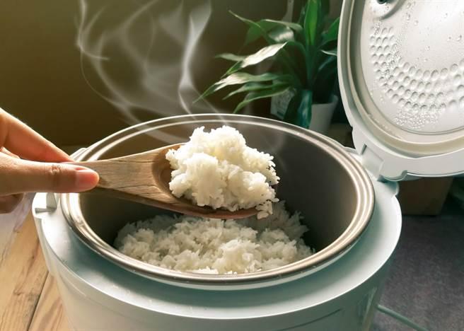 煮飯該加多少水?行家曝黃金比例(示意圖/達志影像)