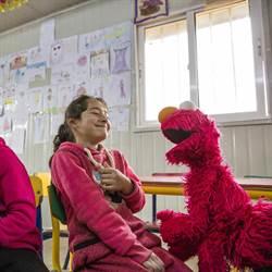 芝麻開門!經典兒童秀講阿拉伯語 撫慰小難民