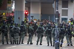 搶救留守者 港民主派當選人聚集理大籲警方解封