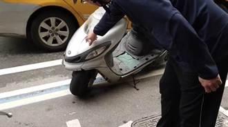 牽車撞壞隔壁車殼 基隆騎士為100元吵到警察來
