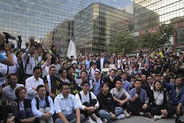 大小黨形勢丕變 區議會選舉扭轉香港政治版圖