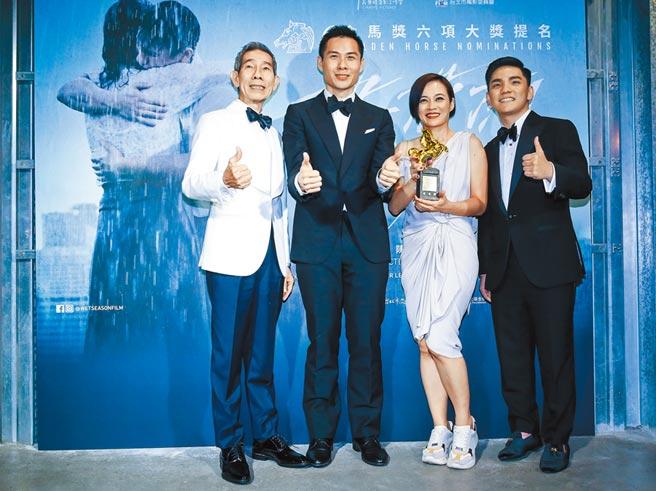 《熱帶雨》導演陳哲藝(左)與楊雁雁開心慶功。(陳俊吉攝)