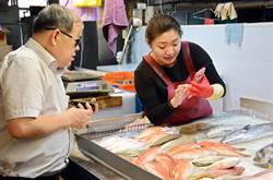 傳統市場鮮魚天天完售 老闆娘原來靠這招