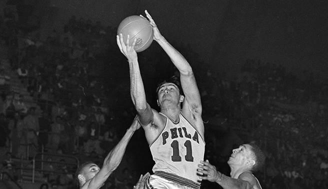 阿里金從1950-51球季開始效力勇士。(美聯社資料照)