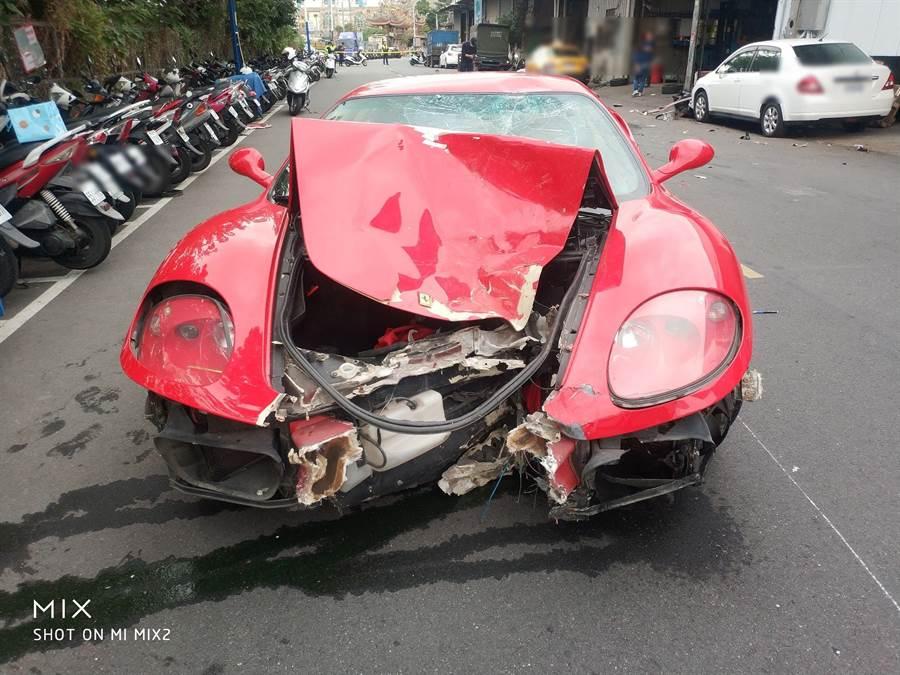 法拉利法拉利狂飆衝出女機車騎士遭撞死亡(翻攝照片/戴上容新北傳真)