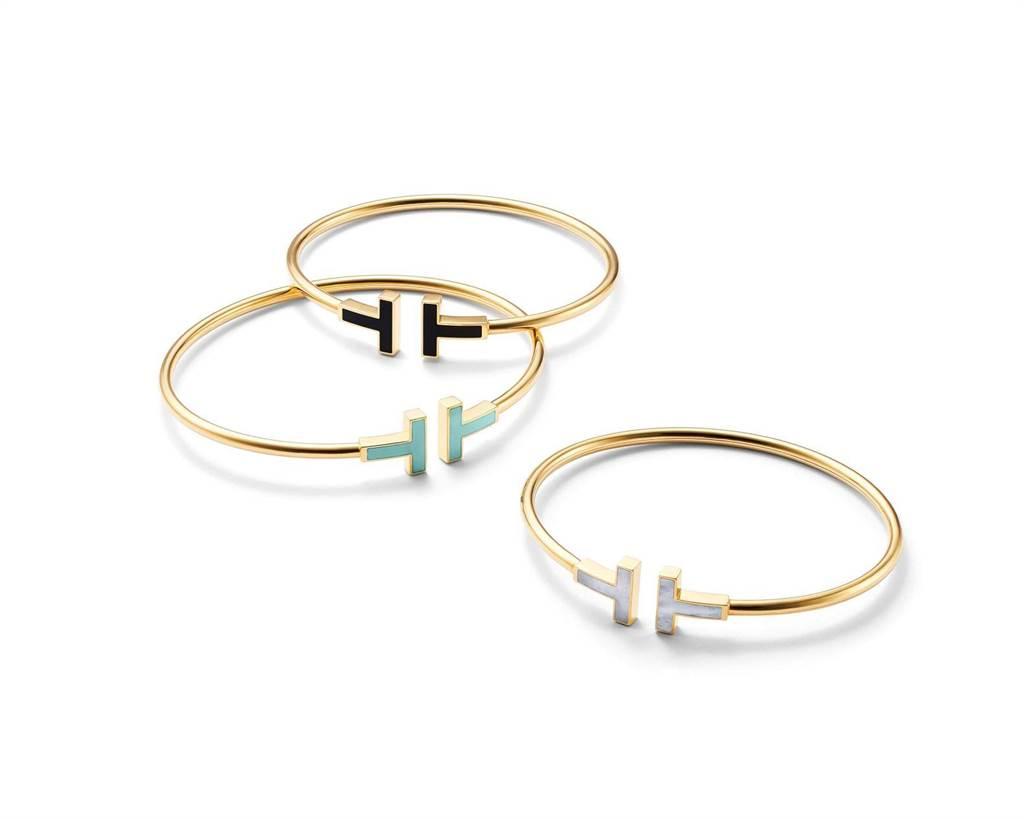 Tiffany T Wire手環,縞瑪瑙款6萬2000元、綠松石款6萬9000元、珍珠母貝款6萬2000元。(Tiffany & Co.提供)