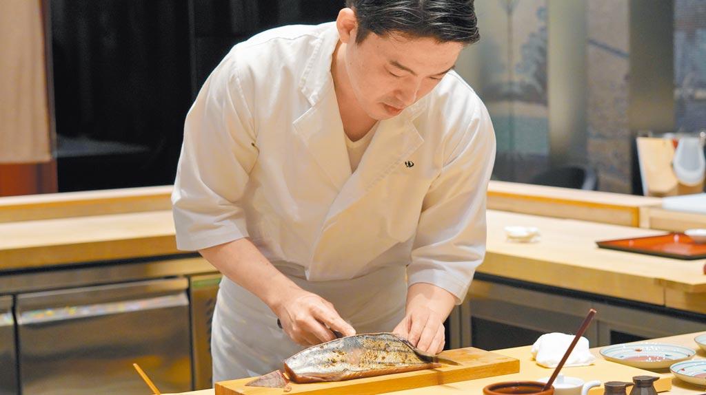 「鮨增田 台北」由小杉秀樹擔任主廚,將東京名店「鮨增田」的好味道帶給台灣饕客。(何書青攝)
