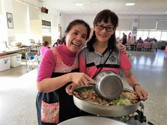 溪州鄉農會特色料理成果展 自創香蕉馬芬與芋頭蜈蚣粿