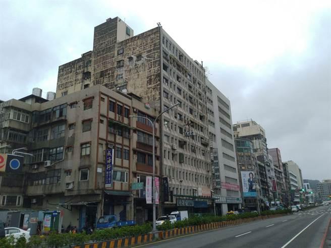 基隆永隆大廈獲中央補助651萬元,為全市老舊大樓都更首例。(許家寧攝)