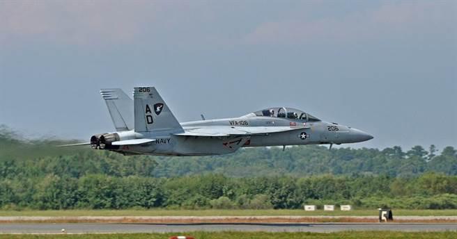 雙座型的F/A-18F戰機。(圖/美國海軍)