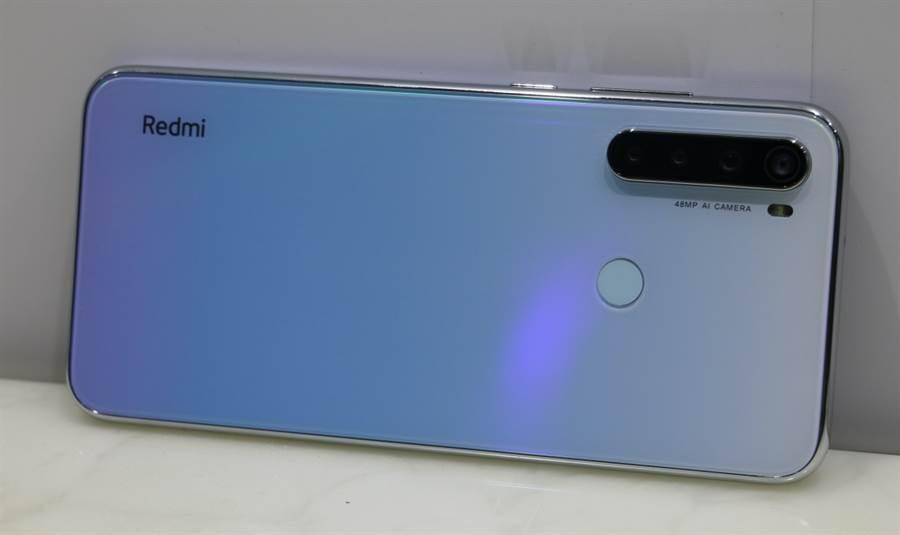 Redmi Note 8T在台發表,品牌LOGO採用橫向設計。(黃慧雯攝)