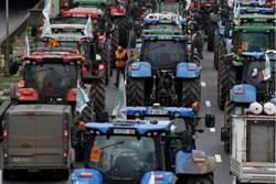 巴黎拖拉機大軍壓境 抗議農業政策