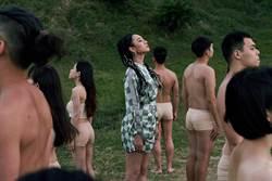 吳卓源新歌MV大戰肉色男女 「不明儀式」引警方關切